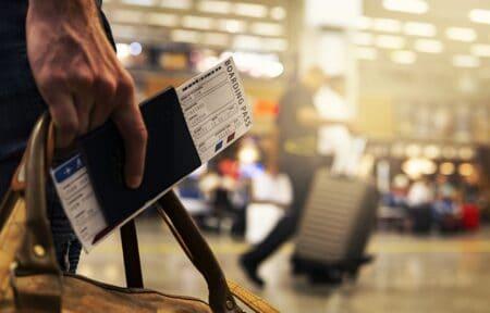 na lotnisku zwroty i słowa ćwiczenie, karta pokładowa po angielsku